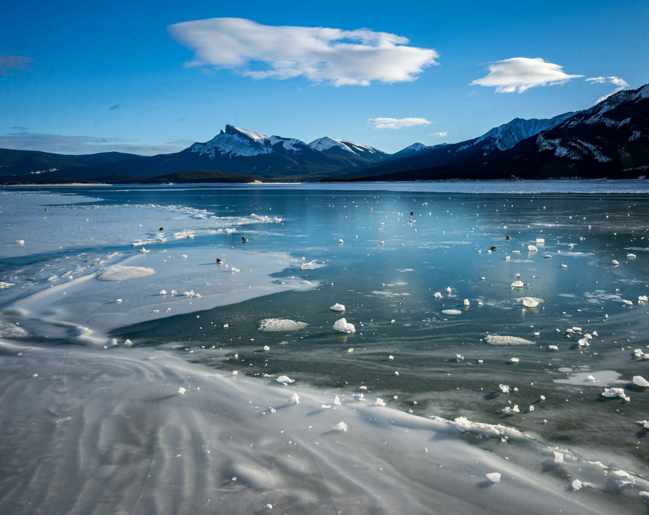 Abraham Lake Ice Conditions – December 28 2020