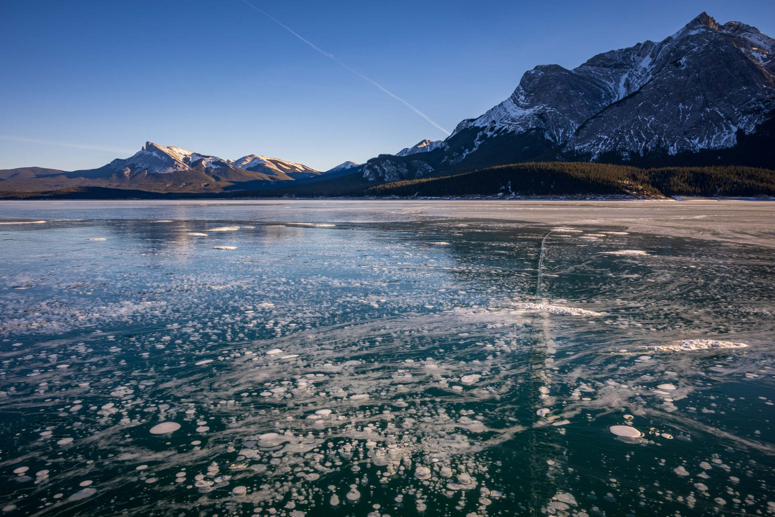 Abraham Lake Ice Conditions – January 8 2021
